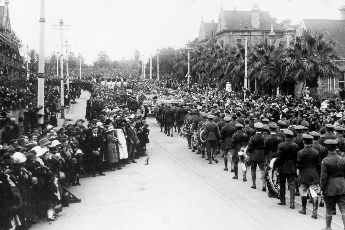 The state funeral of Sir Ross Smith in 1922.