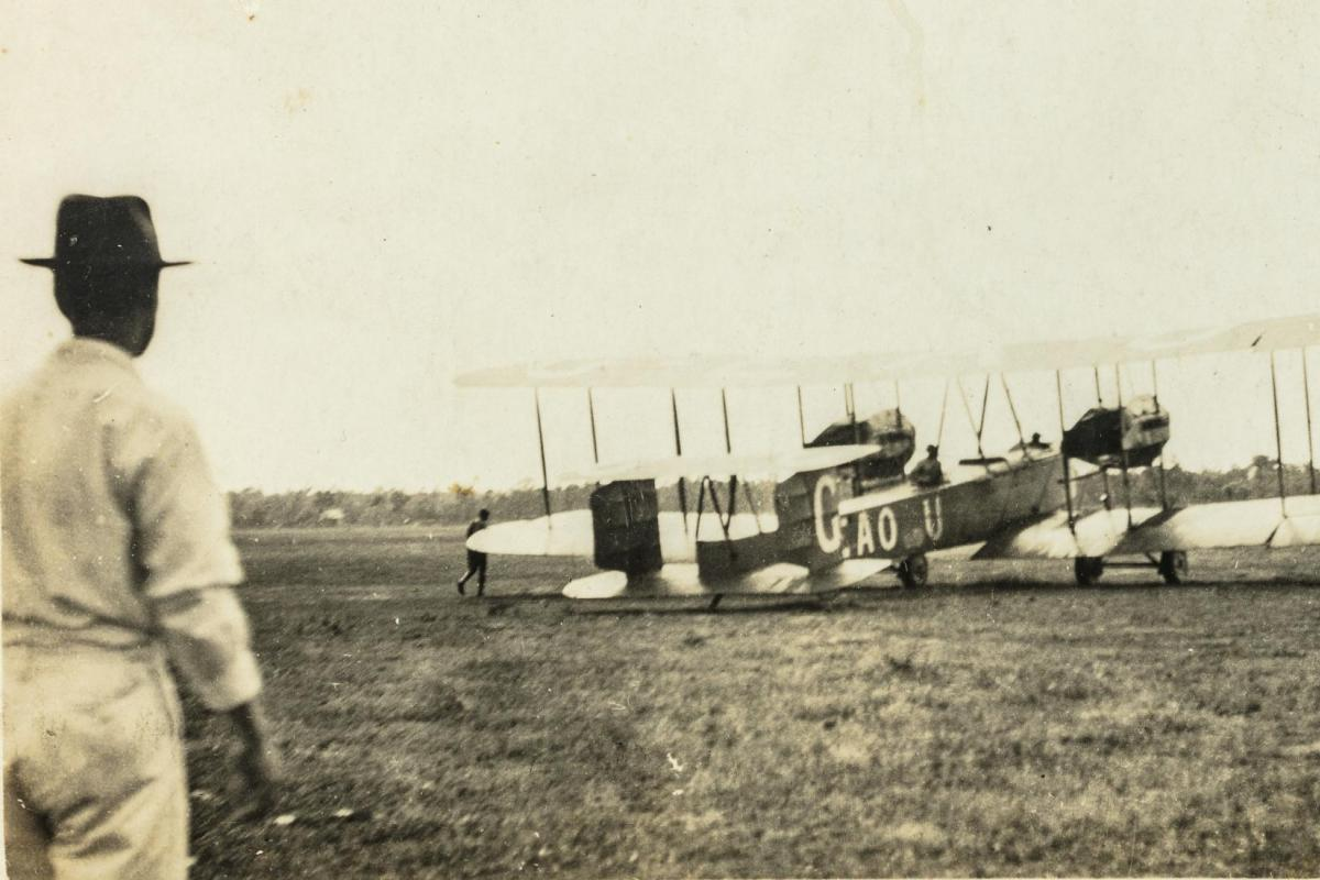 The Smith Brothers' Vickers Vimy in Darwin in 1919: Northern Territory Library Shield Collection PH0767/0014