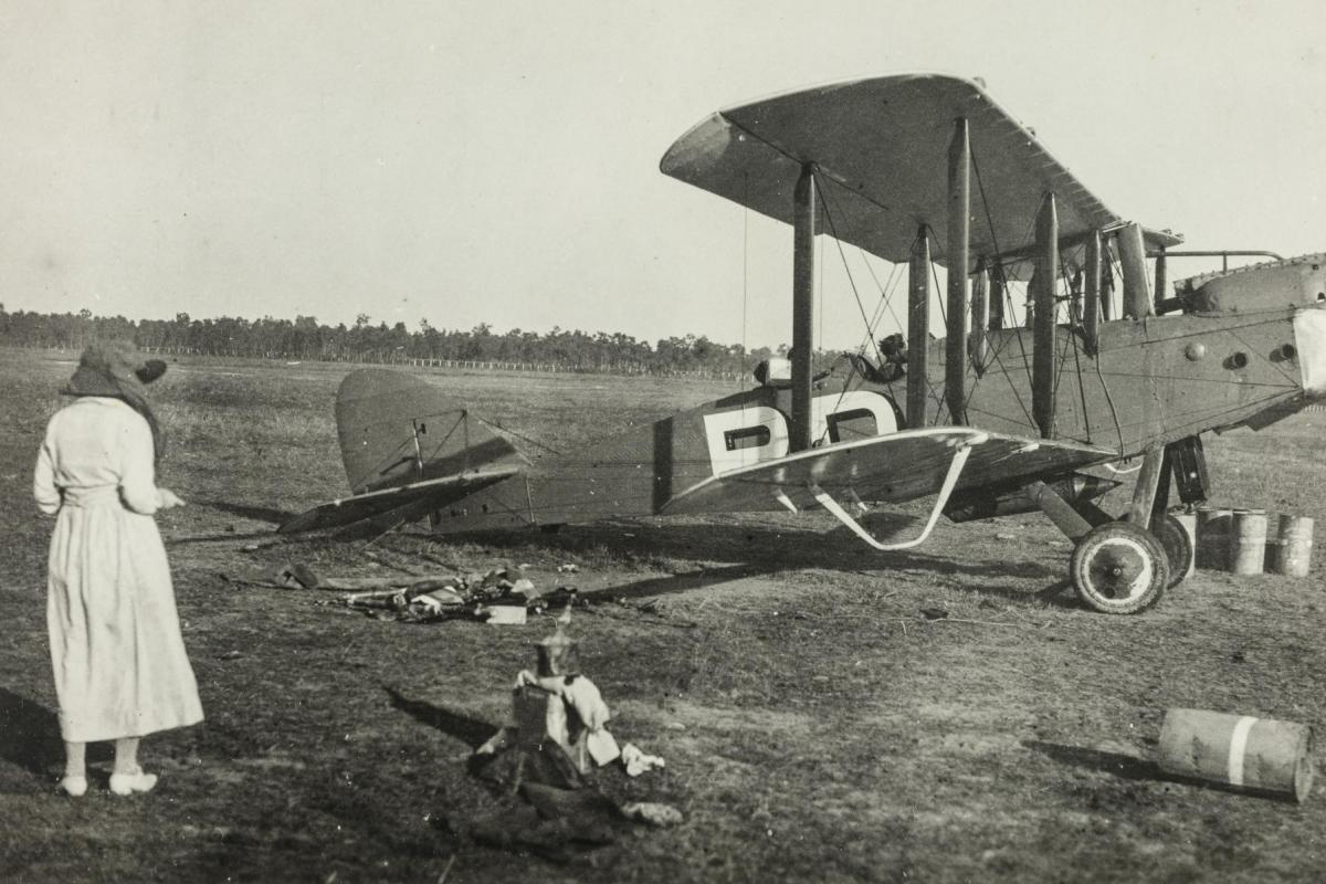 Lieutenants Ray Parer and John McIntosh arrive in Darwin in their Airco DH.9 aircraft on 4 August 1920, eight months after the Smith Brothers.
