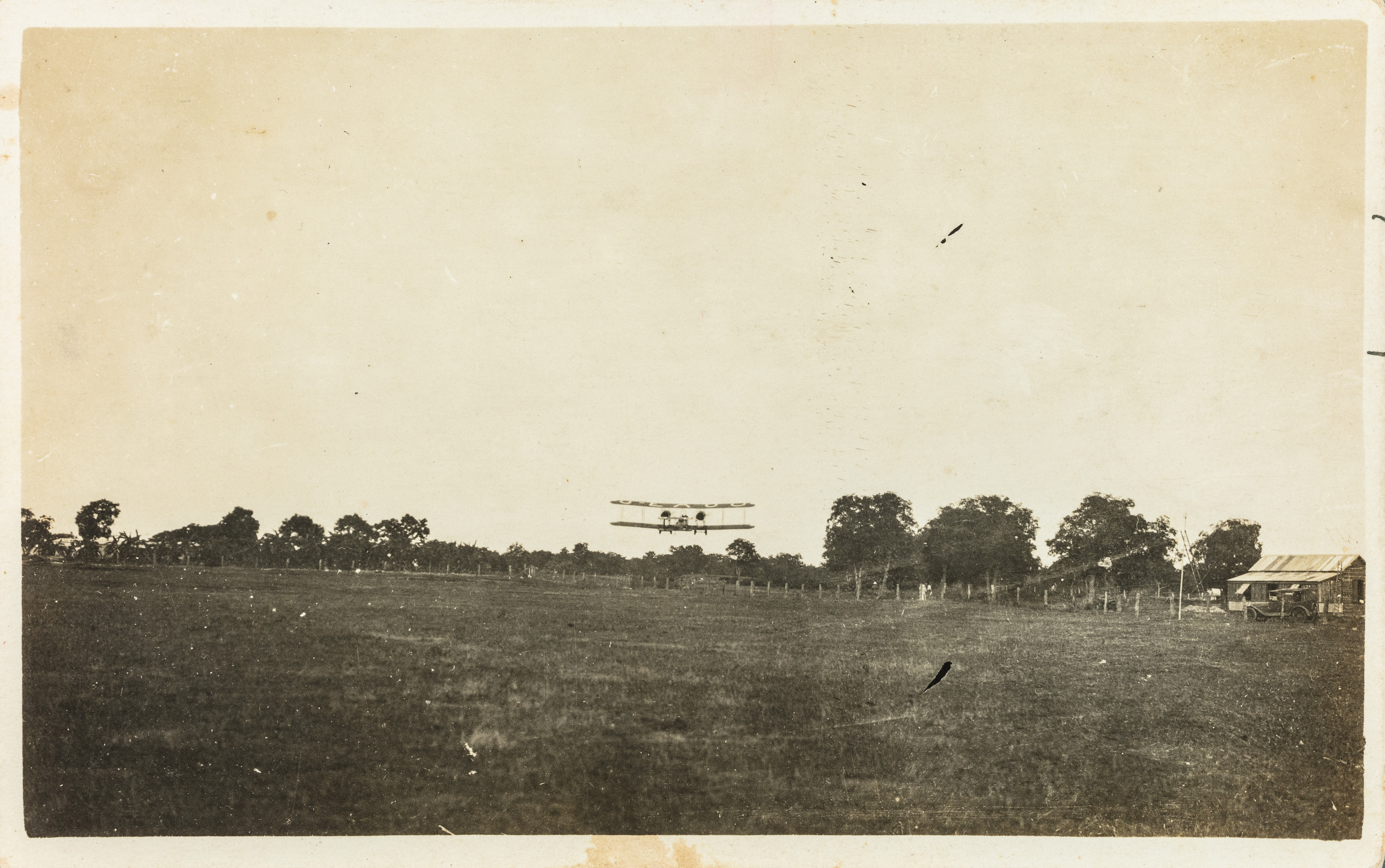 Ross and Keith Smith's aeroplane coming in to land in Darwin on 10 December 1919.